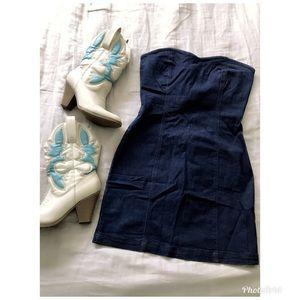 Strapless jean dress.